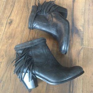Sam Edelman Louie Charcoal Grey Fringe Boots 8.5